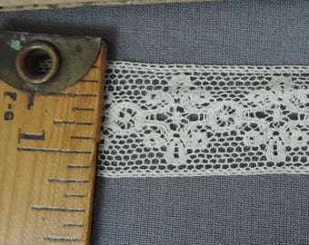 11 Yards Antique Lace, 1 inch wide Ivory Cotton, early 1900s to 1920s