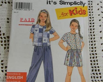Christmas in July Simplicity Girls Pants, Shorts and Knit Top Pattern N7665, Uncut, Sizes 7 thru 14