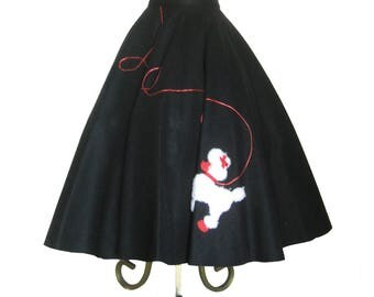 "1950'S Full Circle Skirt / Rockabilly / Heavy Black Felt / Novelty Skirt / White Poodle Skirt / Poodle Appliqué with Leash / 30"" inch Waist"