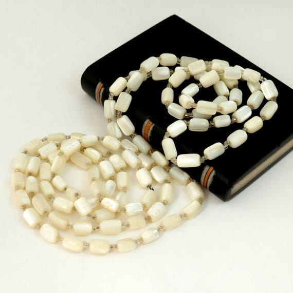 Vintage Mother of Pearl Flapper Necklace