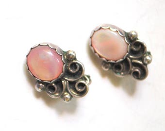 Victorian style vintage vintage 50s, small sterling, MS, symbol star, clip on earring with oval , rose quartz cabochon.