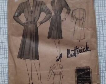 "1940s Dress - 32"" Bust - Butterick 1683 - Vintage Sewing Pattern"