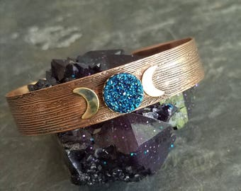 Blue Quartz Druzy Celestial Cuff, Crescent Moons, Gold Brass, Etched Copper Cuff, Wood Grain, Sparkly, Glittery Stone