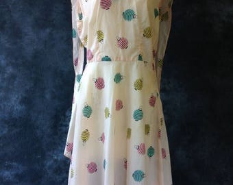 ON SALE 50's pink nylon novelty print dress, Japanese lanterns.