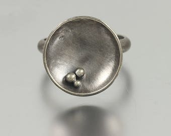 Textured Shallow Bowl Dome Ring with 3 Beads- Size 8.25