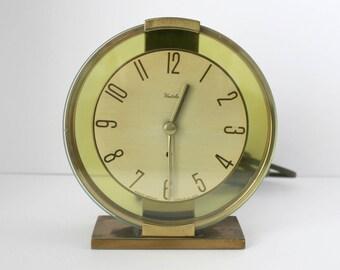 Westclox Oracle Round Mantel Shelf Clock, Model SE-6, 1940s Electric Brass Vintage Desk Clock