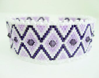 Peyote Bracelet  / Beaded Bracelet with Swarovski Crystals in Purple and Violet / Seed Bead Bracelet  / Delica Bracelet /  Statement