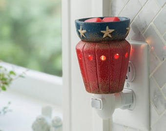Americana Plug In Fragrance Warmer