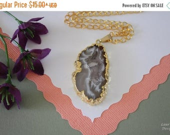 ON SALE Druzy Necklace Gold, Geode Necklace, Crystal Necklace, Gold Geode Slice Druzy, GG100