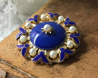 Regal Royal Blue Enamel Faux Pearl Gold Tone Brooch Pin Unsigned Round Circular Medallion Award Inspired Feminine Woman Special Occasion