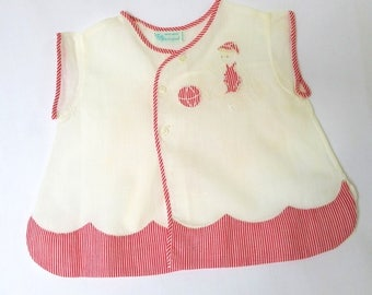Vintage Baby Boy Clothes Diaper Shirt 1950s Top Buttons White Fabric Red Trim Bias Trim Edge Nursery Decor Shower Decoration Child with Ball