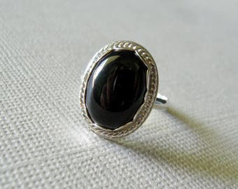 Black Onyx Ring, 5 3/4 Black Onyx Sterling Silver Ring, Hand Forged Stamped 925, Bright Sterling Silver. Black Onyx Cabochon
