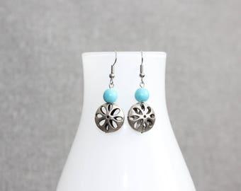 Boucle d'oreille, turquoise, bijou femme, femme, bijoux québécois, fleur, fleuri, pendante, motif fleuri, boucles doreilles minimaliste