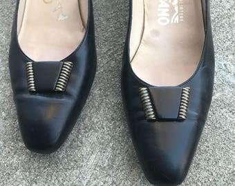 The Vintage Black Ferragamo Kitten Heels Pumps / Size 11AAA/ Metal Detail