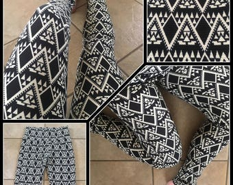 Ancestral Visions - Ethnic Geometry Leggings - Black and white