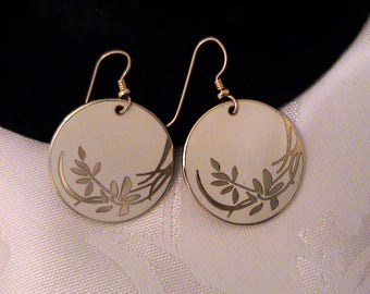 Vintage LAUREL BURCH White Wind Flower Cloisonné Enamel Dangle Earrings