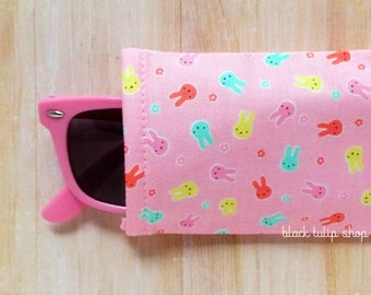 Kawaii Eyeglasses Case Sunglasses Case Sleeve Soft Lightweight Reading Glasses Cover Pastel Bunnies Cute Eyeglass Soft Holder Pouch - AS IS