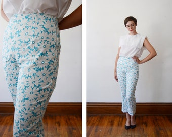 1960s/1970s Blue and White Floral High Waisted Pants - S