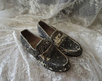 Vintage SHABBY Victorian Black Cream Child's Loafers Shoes