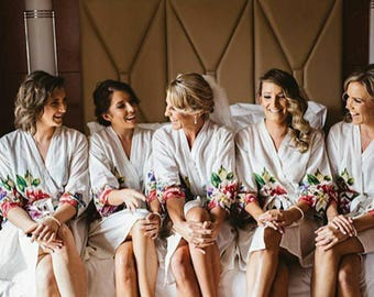 White Minimalistic Design One Long Floral Patterned Bridesmaids Robes | Bridesmaids gifts, Getting ready robes, Bridal shower, Floral Robes