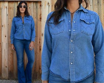 Vintage 70s CHAMBRAY WRANGLER Pearl Snap Button Up Xs S