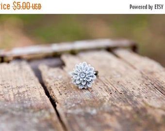 CHRISTMAS in JULY SALE Grey Flower Chrysanthemum Ring // Bridesmaid Gifts // Bridesmaid Rings // Vintage Wedding // Rustic Wedding