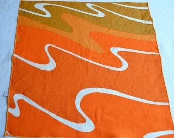 Vintage Vera Napkins - Orange Wave Linen - 4