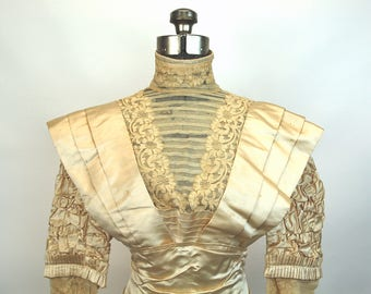 Edwardian wedding gown ivory silk and lace w/pleats and ruching 36 bust 23 waist