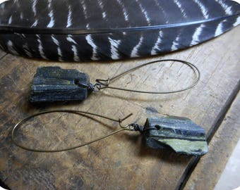 Natural Olive green dusted & Matte black Epidote Crystal Dangle earrings. Rough Raw Uncut stone towers. rustic brass ear wires
