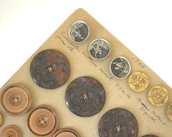 Antique Button Card 49 Buttons Coat, Brass, Wood, Pearl, Picture 1870s