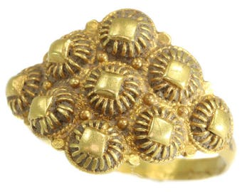 Antique gold filigree ring yellow gold Baroque 18th century jewelry