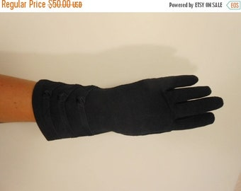 Anniversary Sale 35% Off Keeping Up Appearances - Vintage WW2 1940s Crescendoe Navy Blue Heavy Rayon Gloves - 7