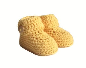 Short Button Cuff Baby Booties in Yellow Merino Wool