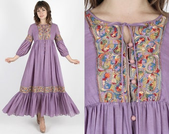 Boho Wedding Dress Hippie Dress 70s Dress Maxi Dress Renaissance Dress Vintage Floral Embroidered Dress Bohemian Dress Prairie Festival Maxi
