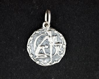 Zodiac Medallion Gemini in Sterling Silver