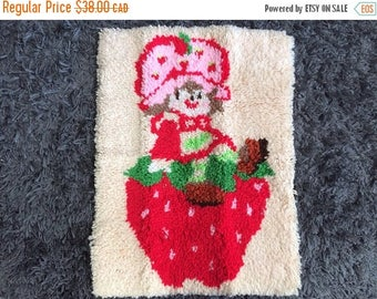 SUMMER SALE Strawberry Shortcake Hook Rug or Wall Hanging Vintage 80s SSC Retro Home Decor