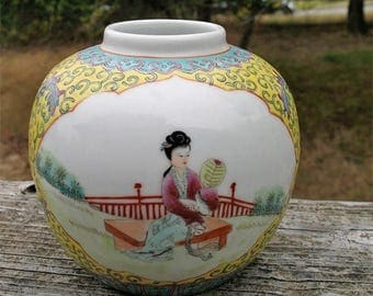 Shabby Chic ANTIQUE Petite  CHINESE FAMILLE Verte Porcelain Ginger Jar Excellent Enamel Style Painting Circa 1911-1925