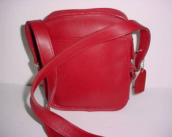 Vintage Coach Red leather Classic  Cross body Shoulder bag.