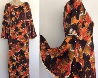 1970's Floral Print Maxi Dress w/ Trumpet Sleeves Vintage Hippie Boho Door Length Dress Size Small Medium by Maeberry Vintage