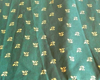 Gold Holly and Berries on Green Christmas Novelty Print Cotton Fabric 2 Yards X0894 Quilting, Holiday Crafts