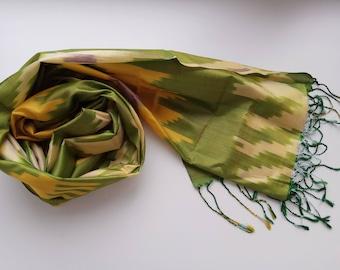 Uzbek handwoven pure silk ikat scarf Shoyi. SC025
