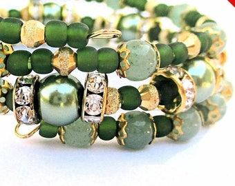 Green Coil Bracelet, Memory Wire Bracelet, Green Gemstone Bracelet, Mom Gift, St. Patricks Day, Christmas Gift for Her / One Size Fits Most