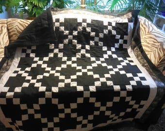 Throw contemporary quilt