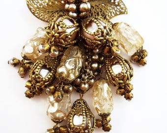 Unsigned Mirian Haskell  baroque caged pearl cascade brooch