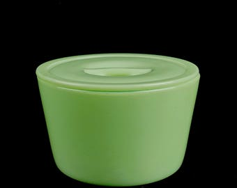 Beautiful Jadeite ROUND CROCK 'Leftover' With Lid, by JEANNETTE Glass Company, Circa 1940's