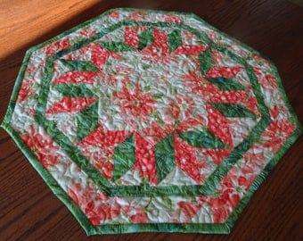 Poinsettia Star of the Center Stage Christmas Table Topper
