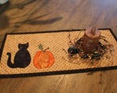 Mini Quilted Table Topper / Halloween Pumpkin and Cat /  8.5 x 17.5 / MW