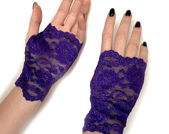 Ultra Violet. COLOR OF THE Year 2018 Fingerless lace gloves. Lace Gloves in Ultra Violet.  Stretch lace. Bride, bridesmaid.