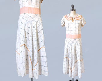 1930s Dress / 30s Cotton Day Dress / Puffed Sleeve / Embroidered Grid / Peach and White