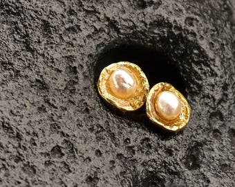 Natural Gold Pearl Stud Earrings, post earrings, raw look, natural jewelry, wedding, bridal jewelry, spring, gift for her, June birthstone.